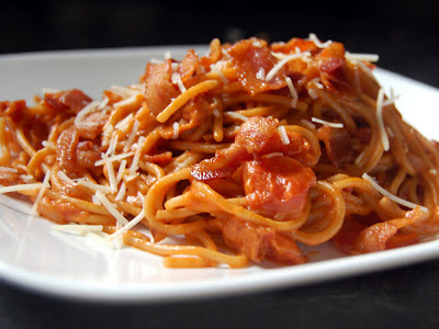 Cassie Craves: Bacon Spaghetti with Tomato Cream Sauce