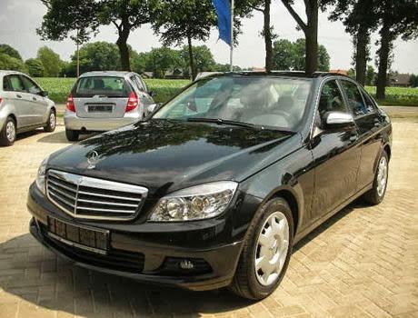 Cho thuê xe 4 chỗ Mercedes C200 hạng sang