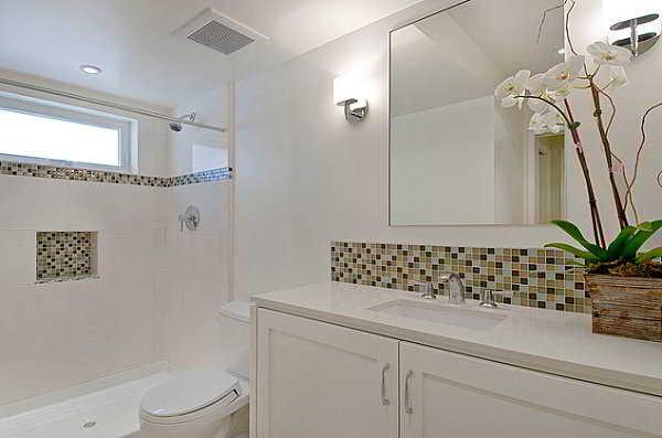 Banheiros Decorados  Casa, Piso e Revestimento -> Banheiro Decorado Com Armario De Vidro