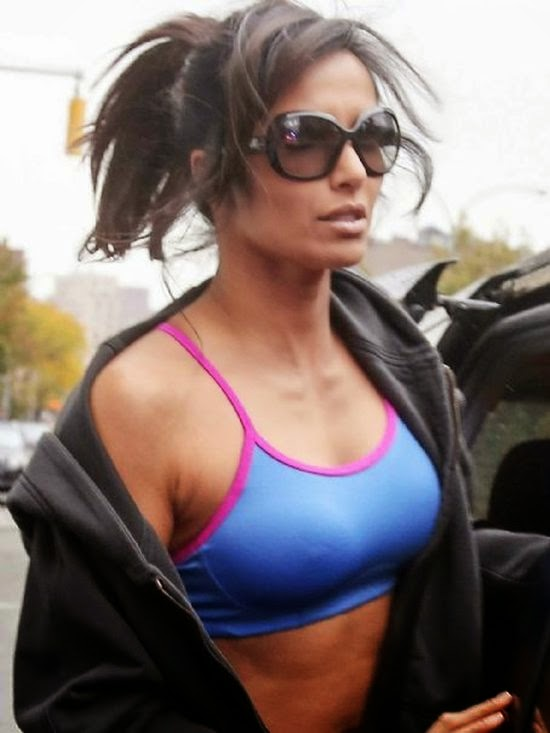 Talk about a gorgeous Mama! On Thursday, November 6, 2014, Padma showed off her already-slim body at New York, USA. The top Chef take all the credit for the success key of flawless as she was snapped to leaving her gym regime and the pounds continue to melt off her already frame.