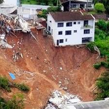 Foto bencana alam tanah longsor 37