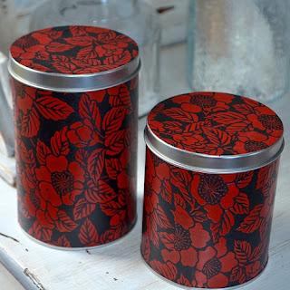 http://www.monuniverspapier.fr/66-boites-en-metal-recouvertes-de-papier-japonais-laque