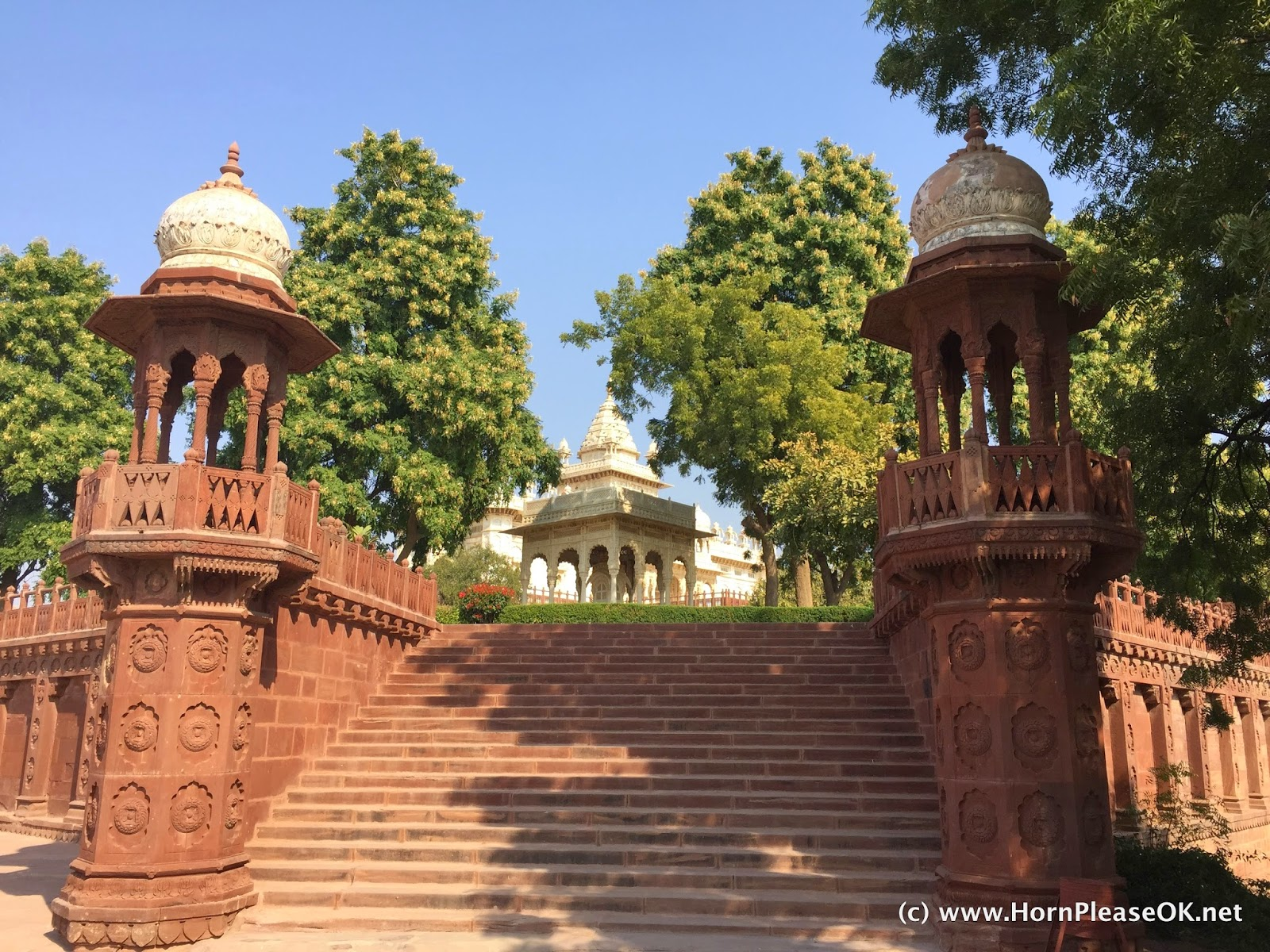The entrance to Jaswant Thada