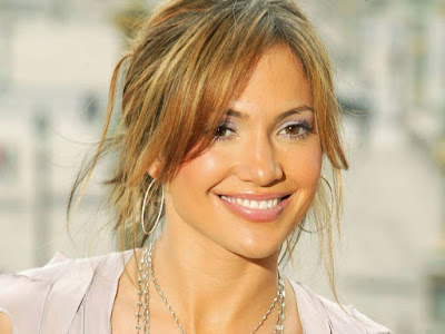 Jennifer Lopez Smiling Picture