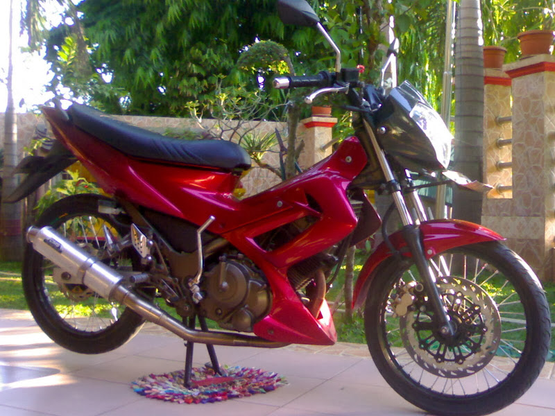 Gambar Modifikasi Motor Satria Warna Merah title=