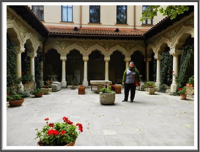 Biserica Stavropoleos-bucuresti-curtea-interioara