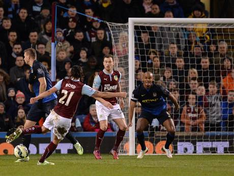 George_Boyd_Burnley_kembali_mencetak_gol_ke_gawang_City