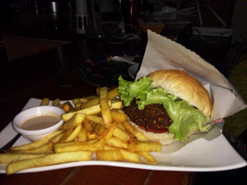 falafel burger ve cips