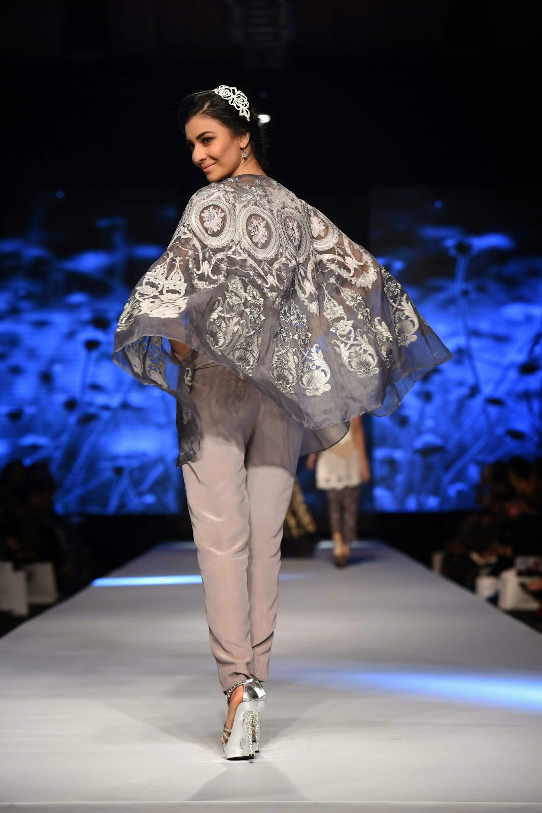 nida azwer embellished cape TFPW15 day 1