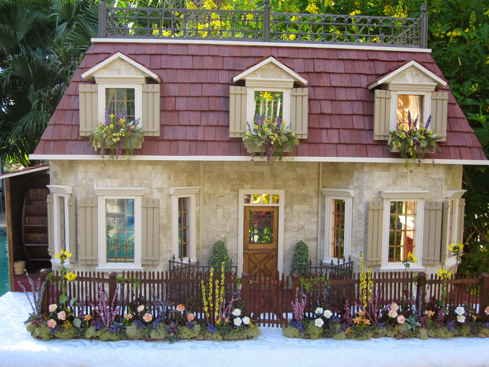 Dollhouses by robin carey francais chalet champagne en pierre for French countryside house