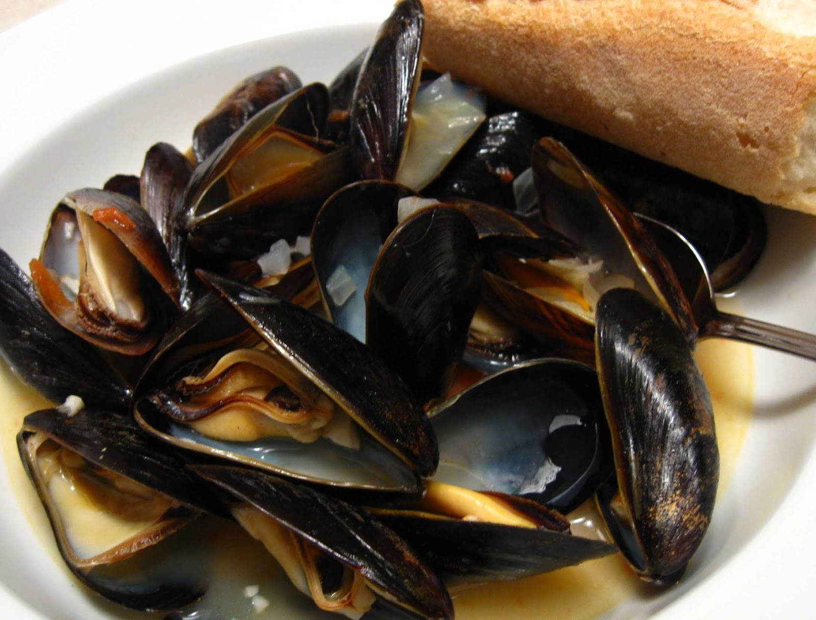 Cooking From Scratch: Wine Steamed Mussels