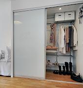 Você abre o armário e voilá, tudo organizado, embora dentro da caixa tenha .