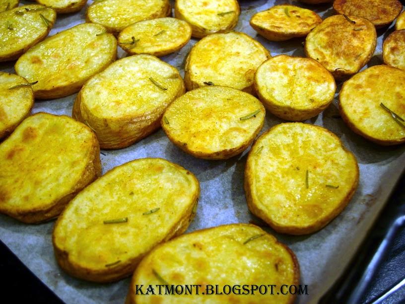 http://katmont.blogspot.fr/2014/03/batatas-rusticas-ao-forno-pommes-de.html