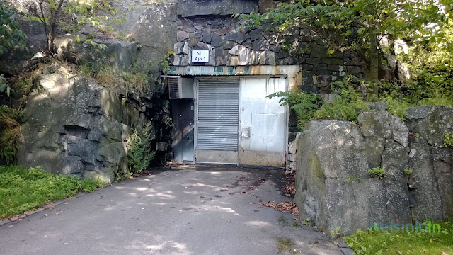 gate of the tunnel to Suomenlinna