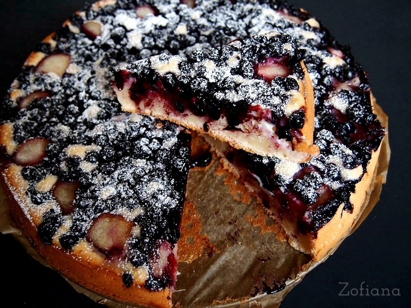blackcurrant & peach cake