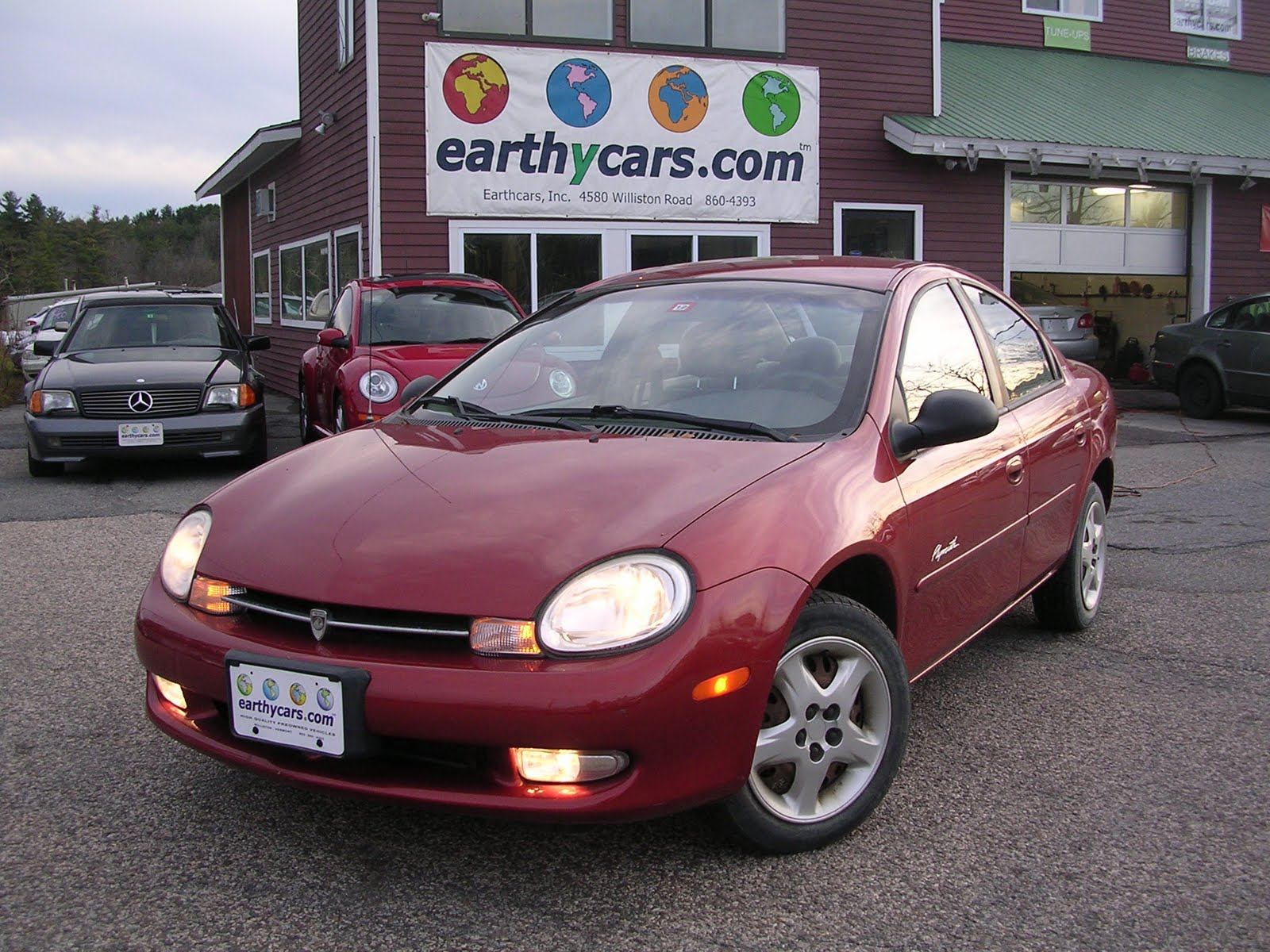 2000 Dodge/Plymouth Neon, Red, Sedan, 28747 mi, $5,900 http://bit.ly ...