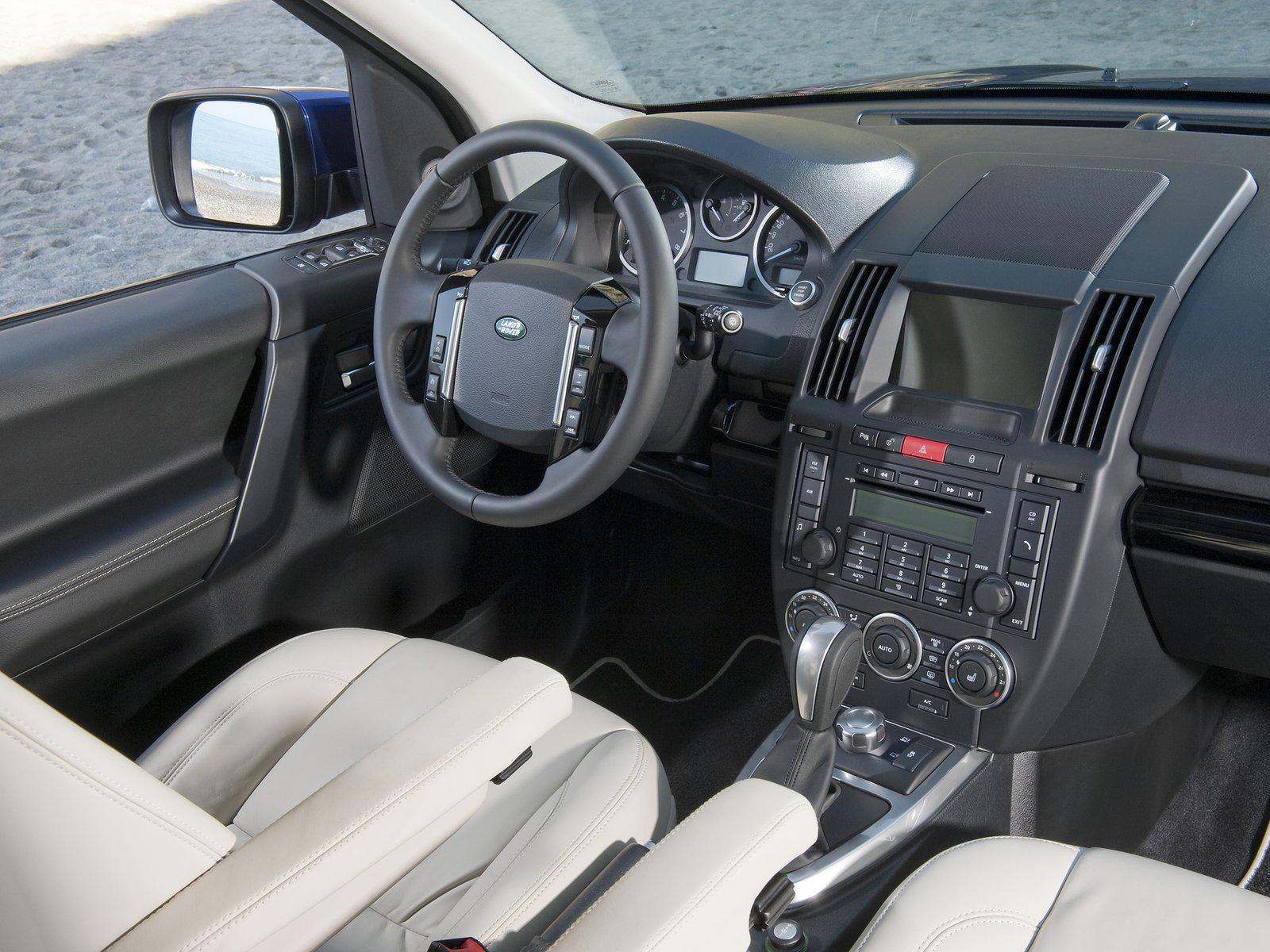 Automotive database land rover freelander for Land rover 2000 interior