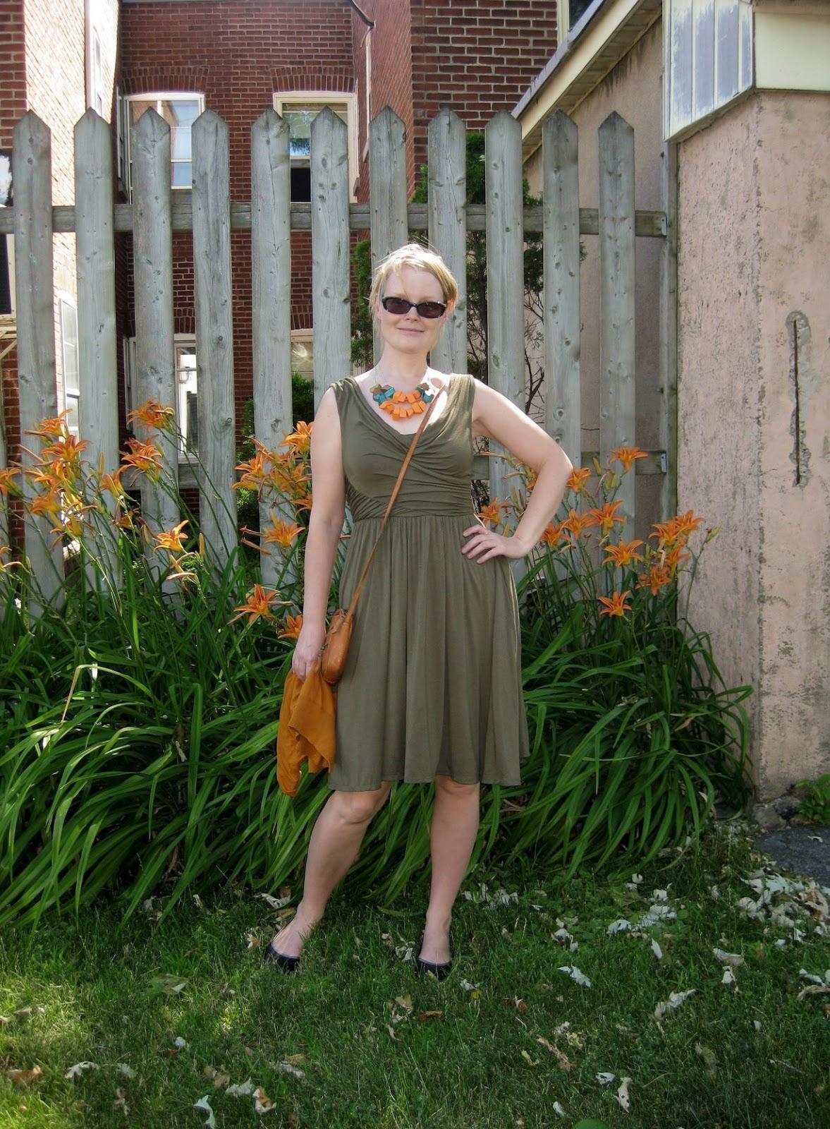 http://3.bp.blogspot.com/-zRB3k01uNTI/T_pRDWWWoqI/AAAAAAAAB_E/pNOtqboveKA/s1600/tigerlily.jpg