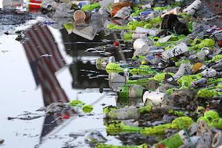 Contaminacion ambiental la contaminacion ambiental y los for Materiales que componen el suelo