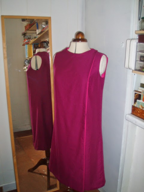 Simplicity 8825 - Jiffy Dress - duvet to dress