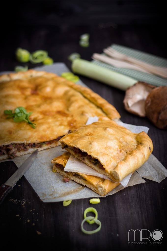 Empanada de carne y shiitake. Cocinando espero