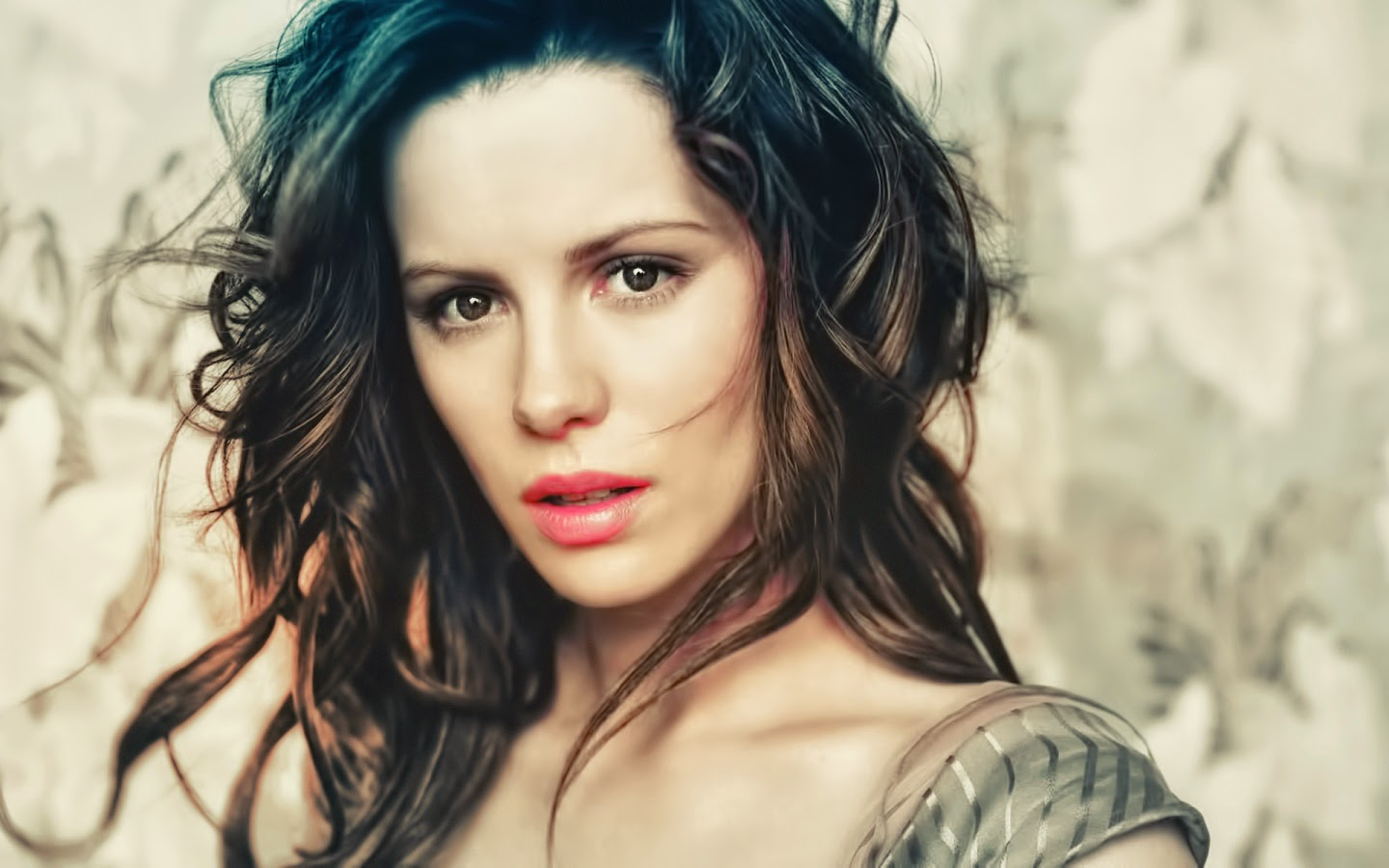 KATE BECKINSALE_WALLSTOWN_IN_HOLLYWOOD ACTRESS_HOLLYWOOD CELEBRITIES