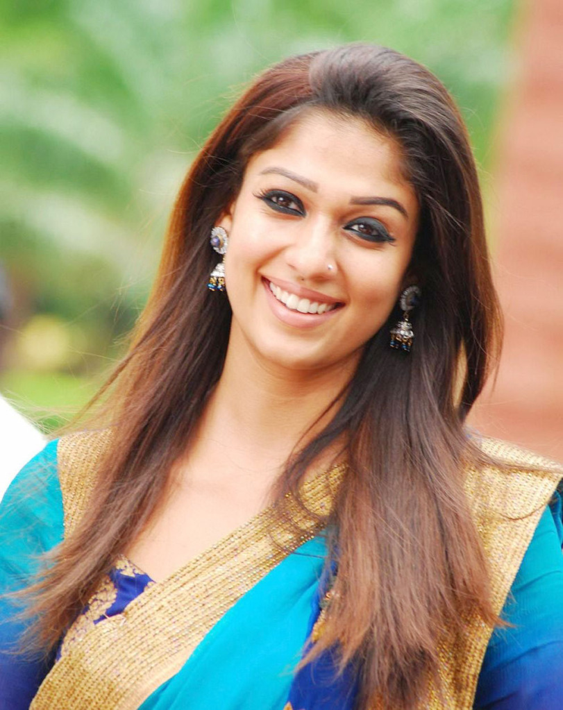 Nayanathara Latest Hot Pics in Saree