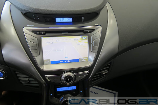 novo Hyundai Elantra 2014 - sistema multimídia