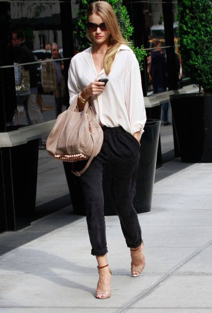 Julia ♡ Rosie Huntington Whiteley's Street Style