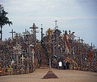 7 Makam Terangker Di Dunia