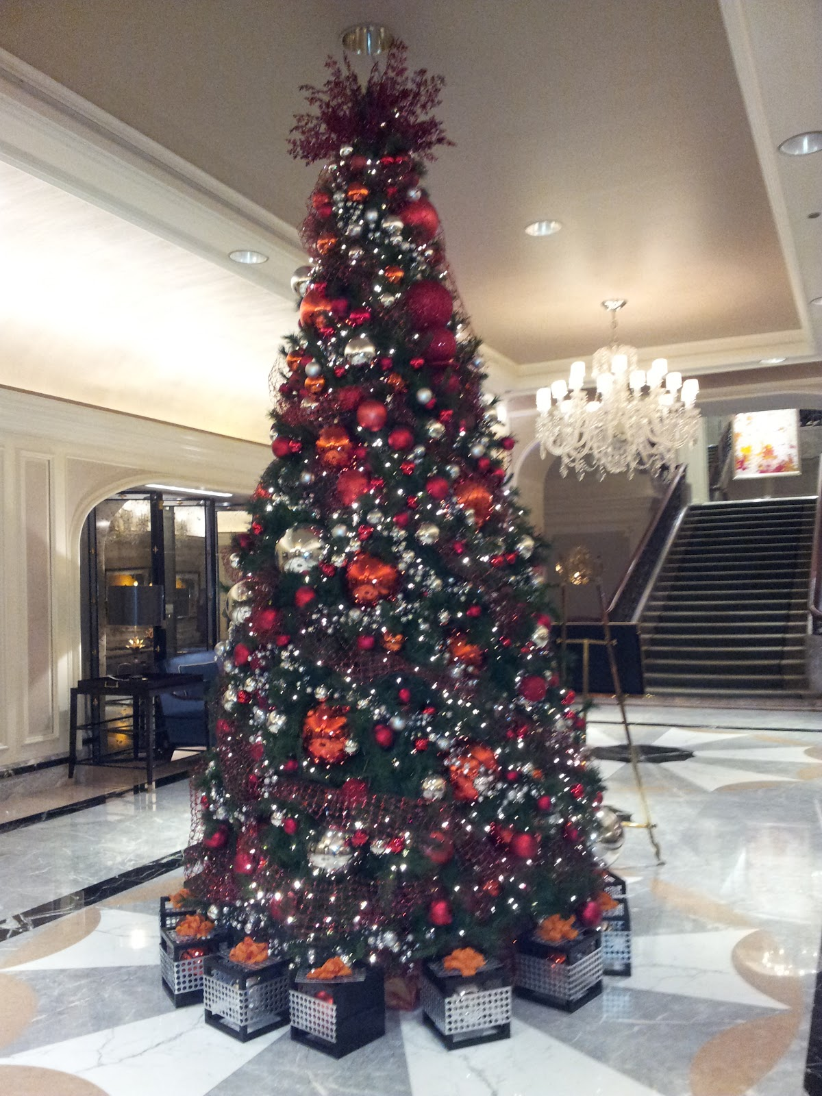 the fifteenth day of chicago christmas trees comes from union station the waldorf astoria the hilton suites the knickerbocker hotel the allerton hotel - Chicago Christmas Station