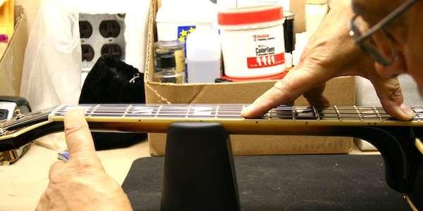 cambiar-cuerdas-guitarra