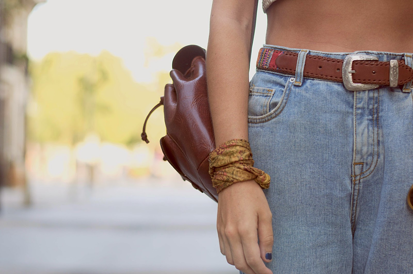 90's jeans, sandalias sommers, top crop hecho a mano