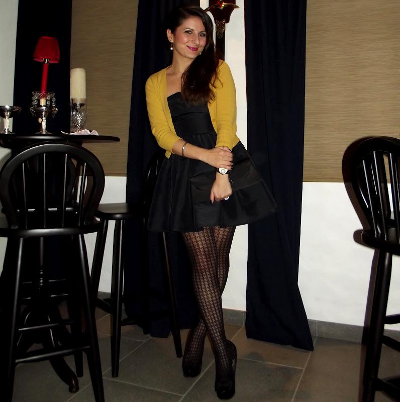 Vestido social curto com meia calca