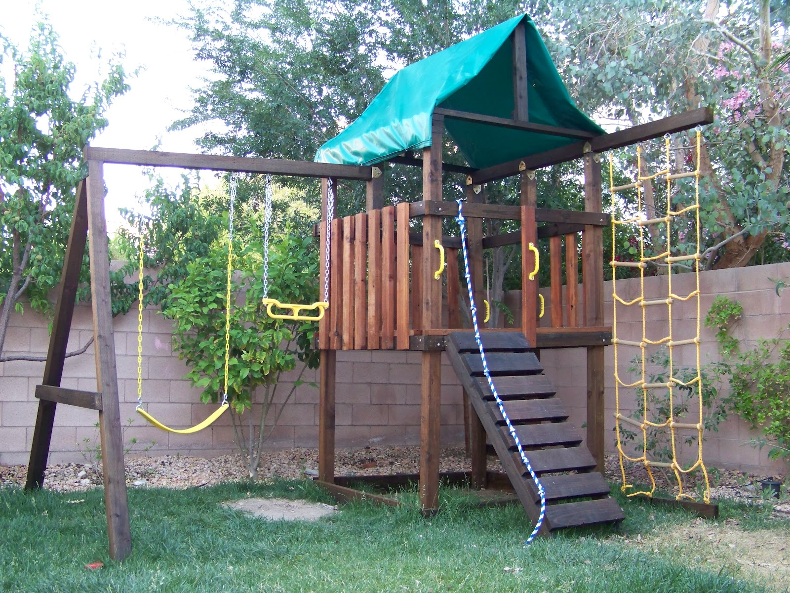 Jay wooden playground sets how to building plans for Playground building plans