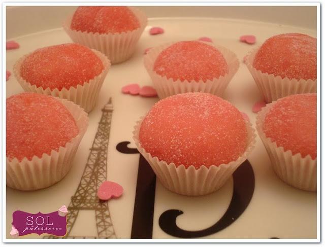 Brigadeiro à la fraise pour l'octobre rose - Brigadeiro de morango ou bicho de pé para o outubro rosa