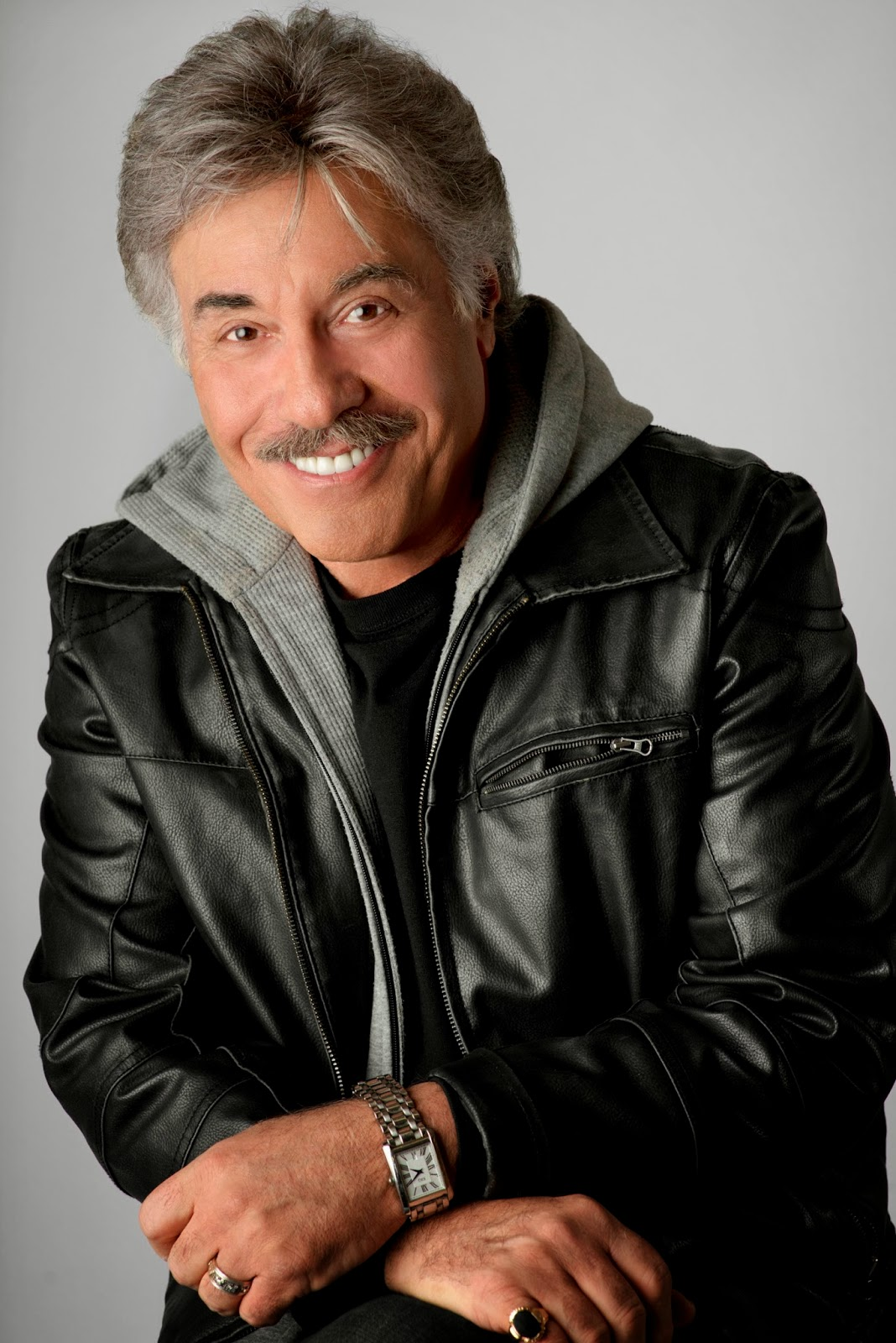 Connecticut Arts Connection: Tony Orlando's Christmas Show Plays the Palace