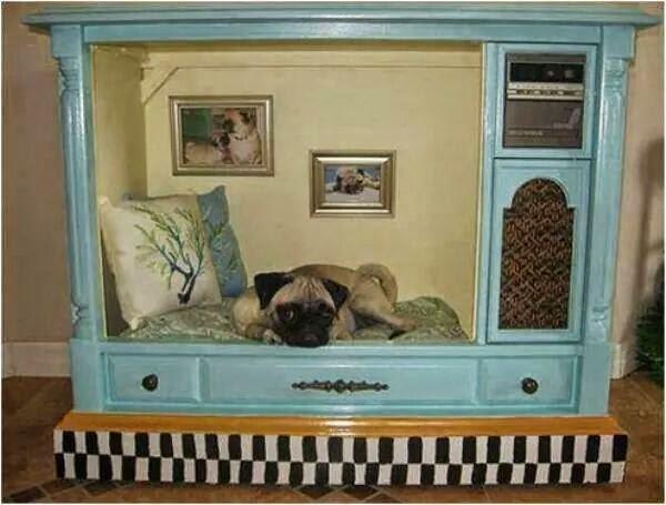 id es fait main comment recycler un vieux bahut en super niche pour chien. Black Bedroom Furniture Sets. Home Design Ideas