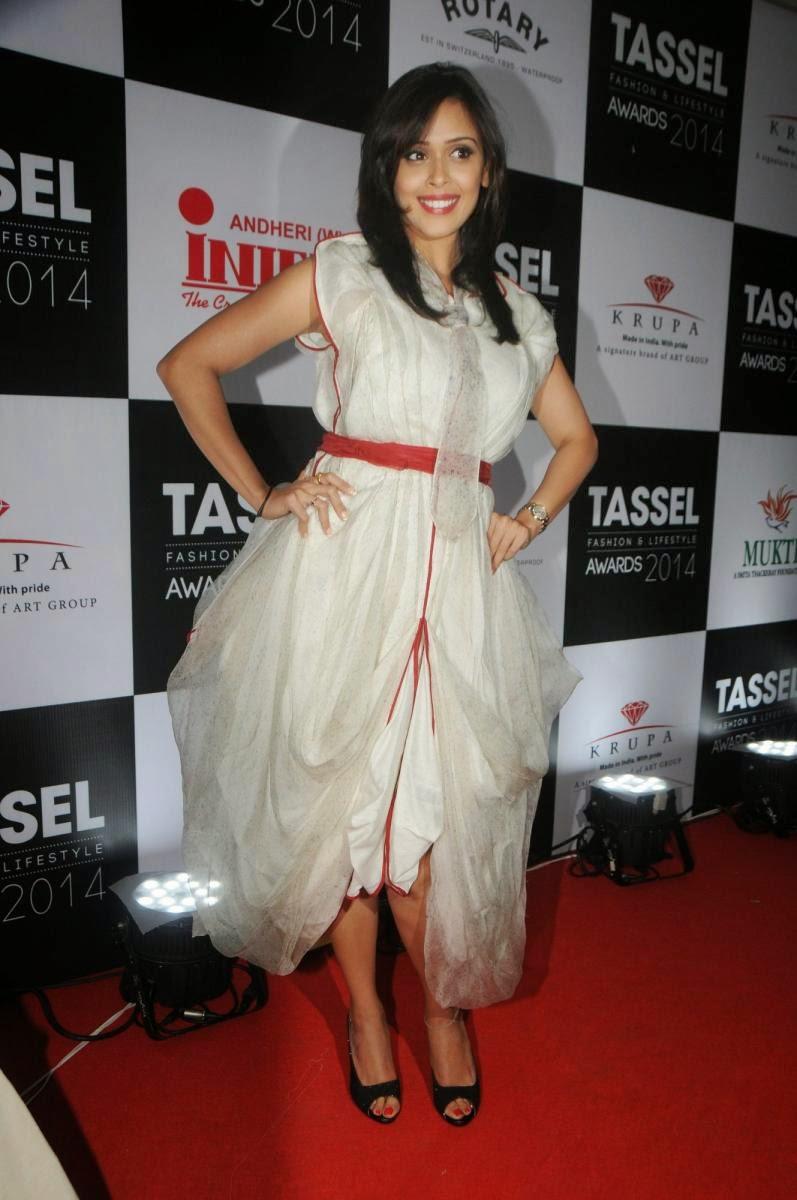 Hrishita Bhatt walks for 'Tassel Awards 2014'