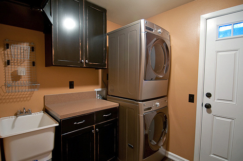 Meet Style and Efficiency Even in the Laundry Room