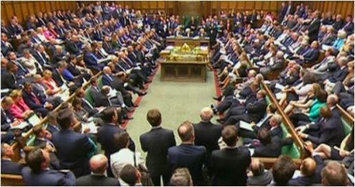 Baarlamaanka Britain oo si rasmi ah loo kala diray