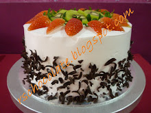 Kek Coklat Moist - Fresh Cream & Fruit - RM 60.00