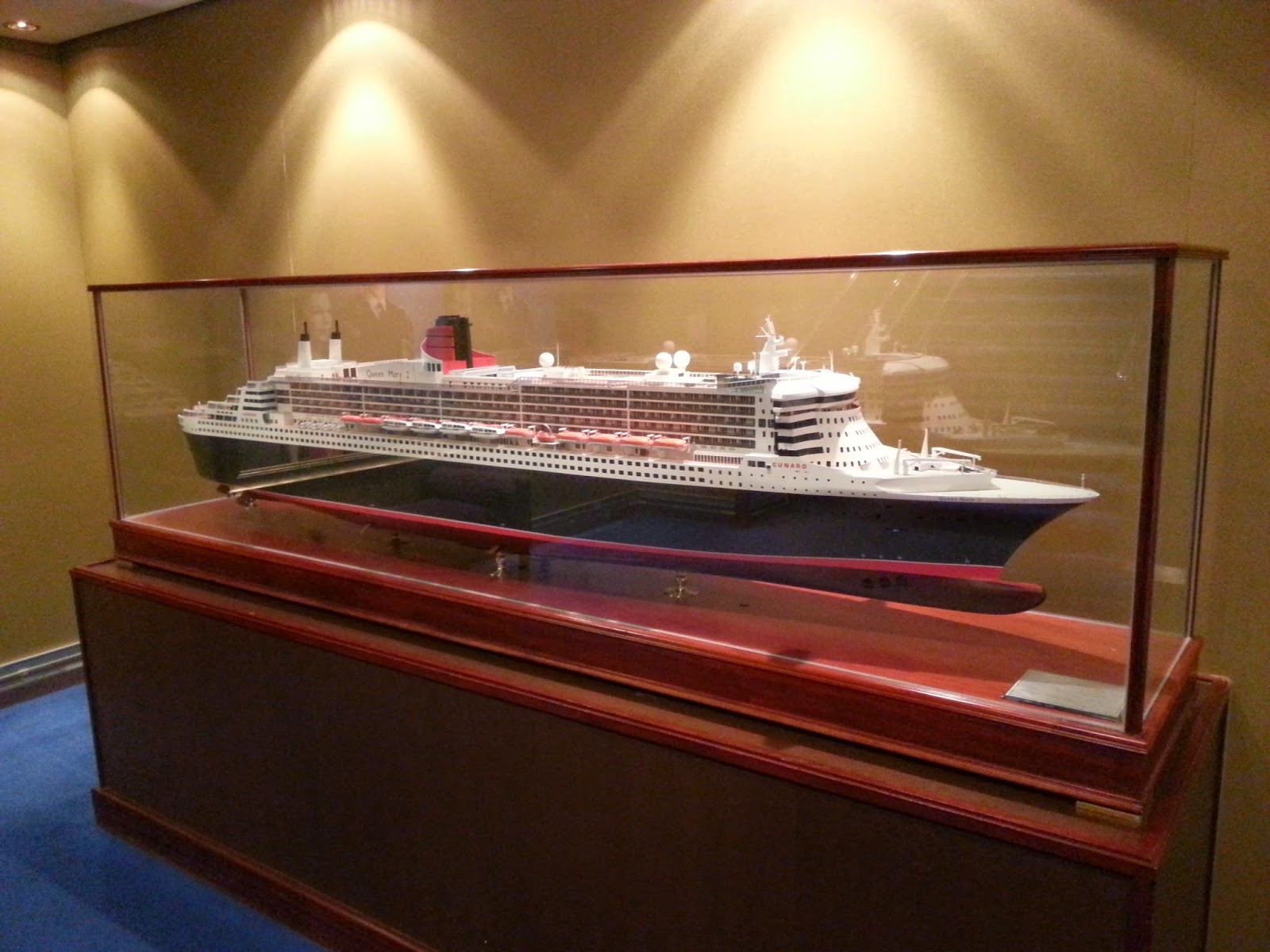 Queen Mary 2 (QM2) - Ship Model