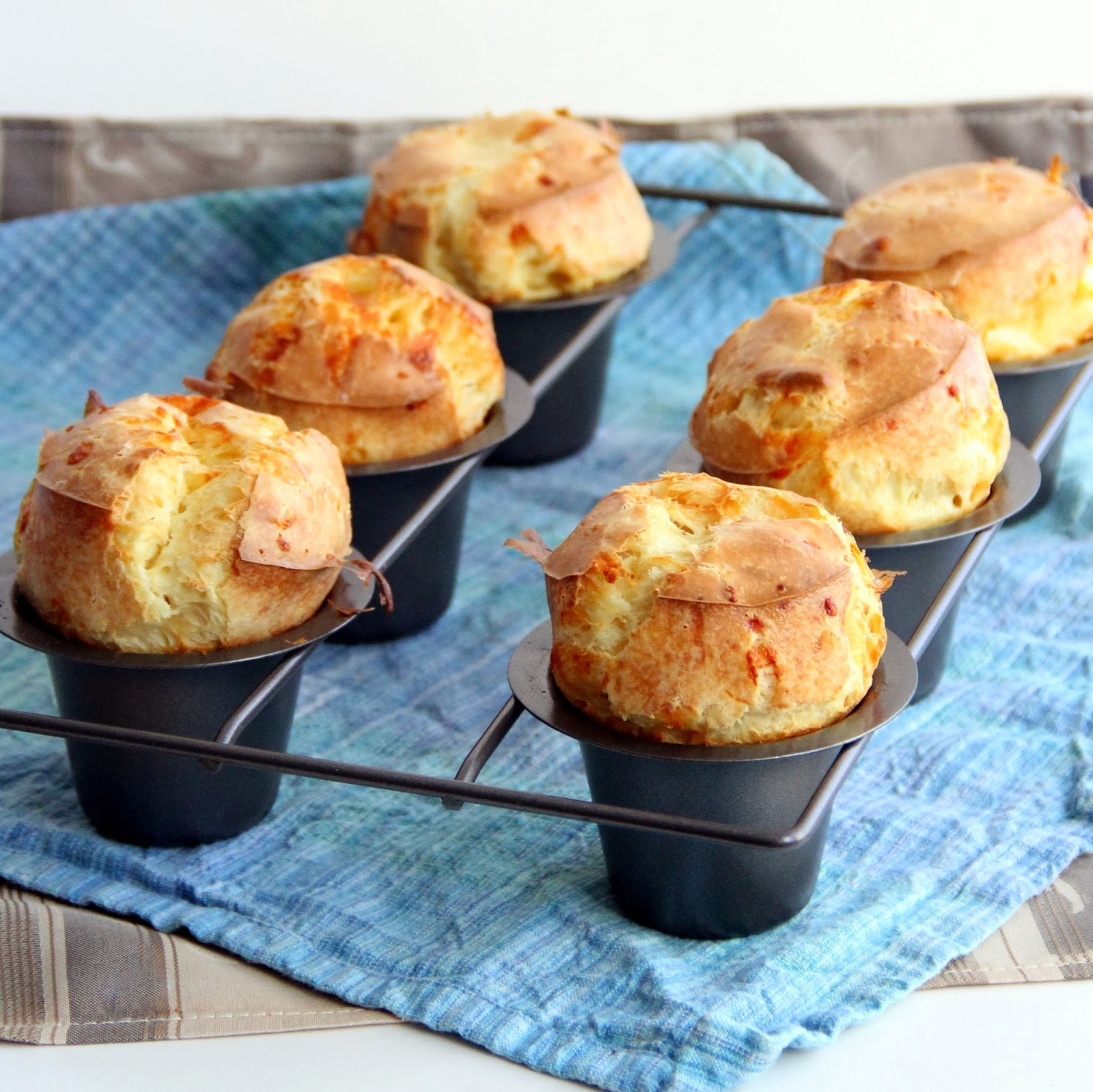 The Growing Foodie: Stand Out Sides: Gruyere Popovers