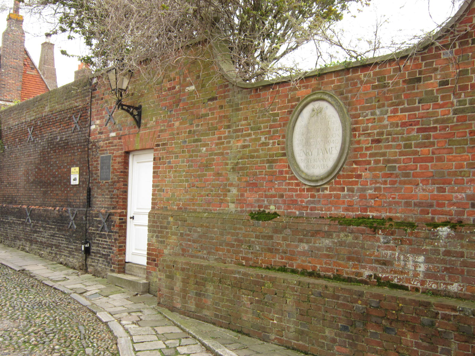 Daytrip to Rye: Lamb House and Henry James | a pile of leaves
