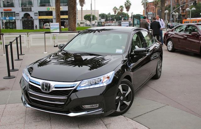 honda cars 2014 honda accord plug in test drive review 2013 new honda car reviews. Black Bedroom Furniture Sets. Home Design Ideas