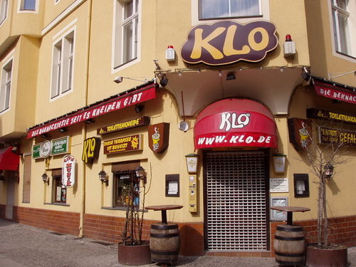 photographs of the most weird theme restaurant in the world das klo berlin photobundle. Black Bedroom Furniture Sets. Home Design Ideas