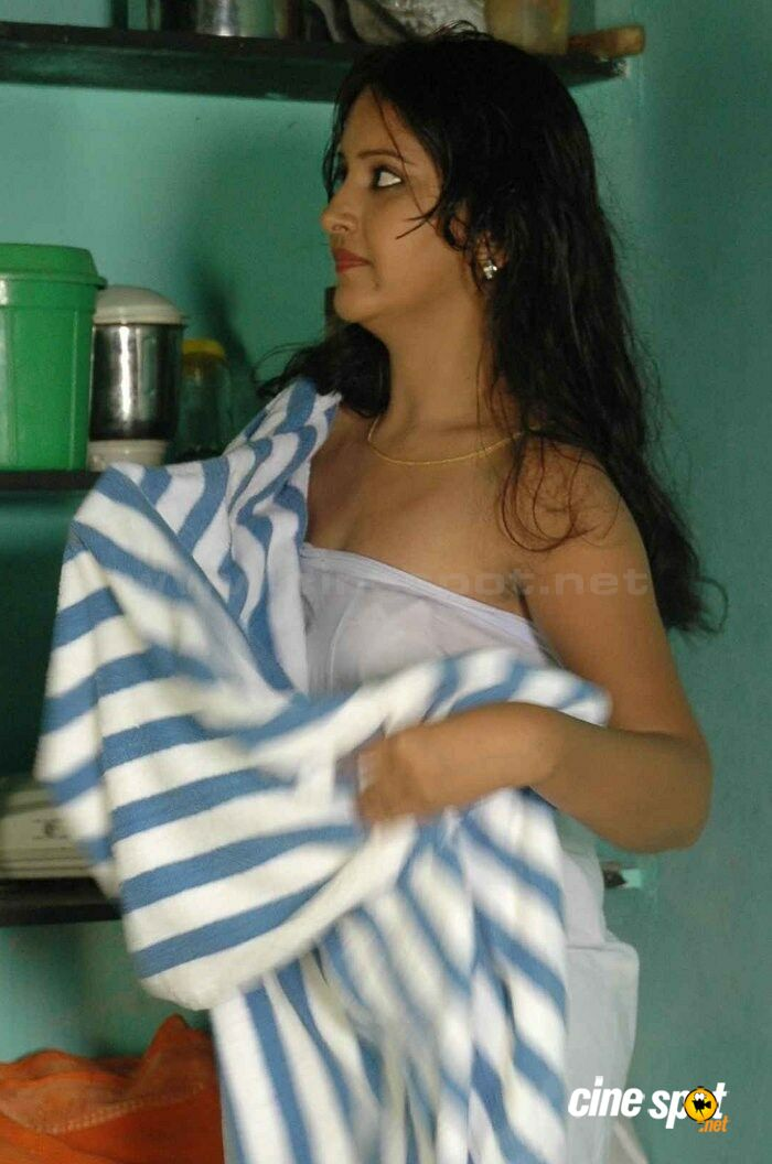 Amisha patel boobs photo