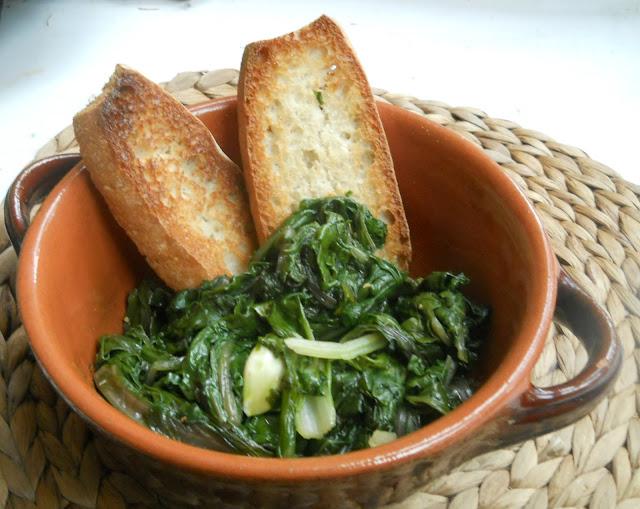 ricordi autunnali in pentola: minestra di bietole con pane tostato
