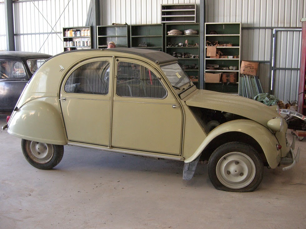 tamerlane 39 s thoughts tim 39 s new citroen 2cv. Black Bedroom Furniture Sets. Home Design Ideas